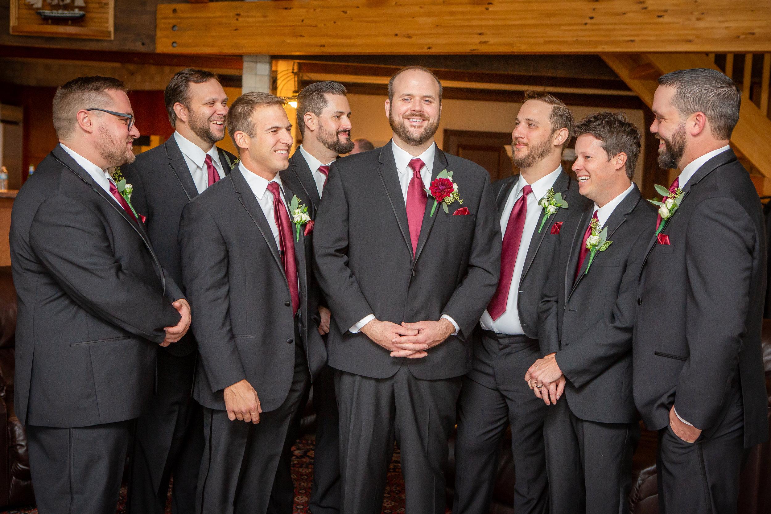 Wedding photo-groomsmen