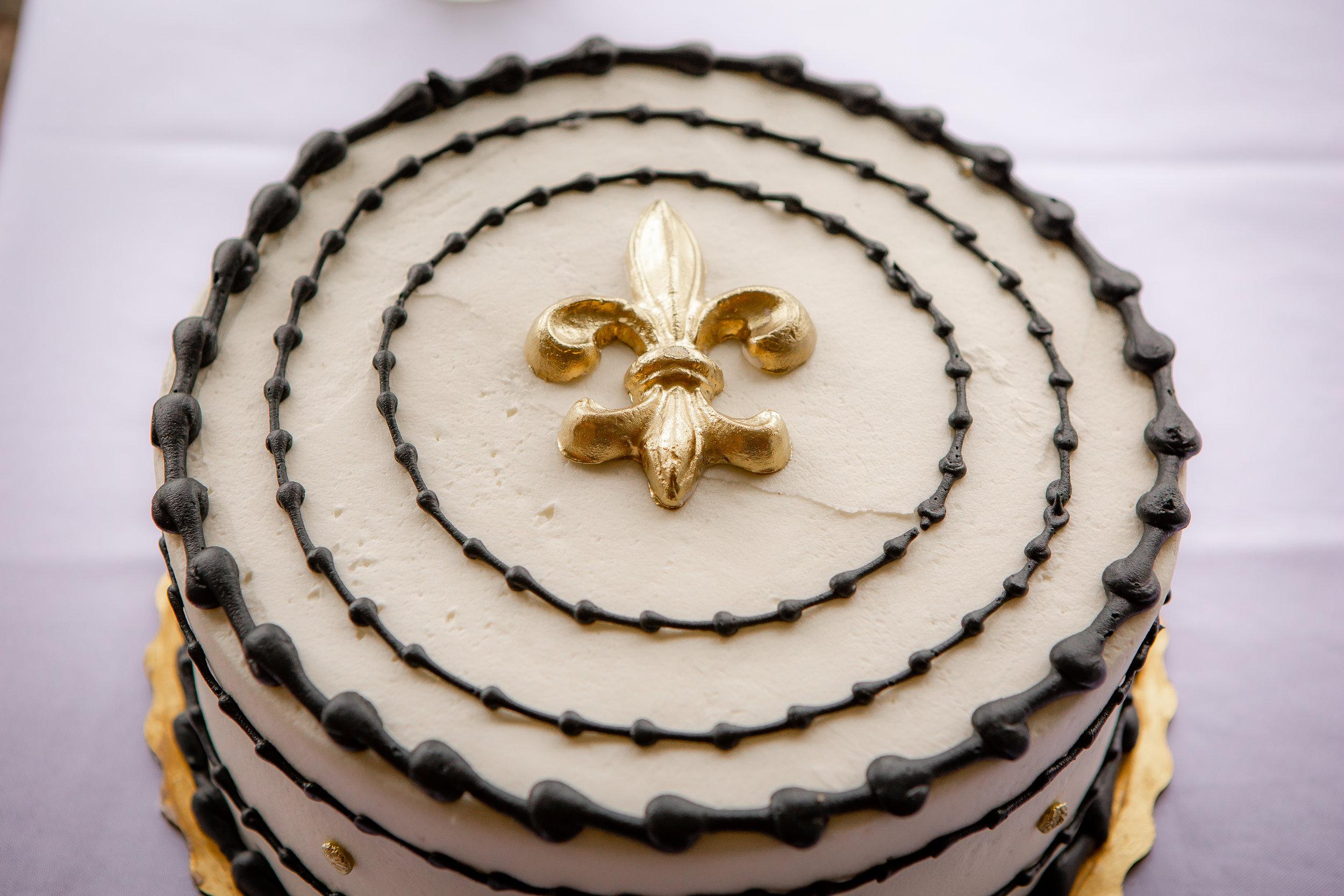 Wedding photo-groom's cake