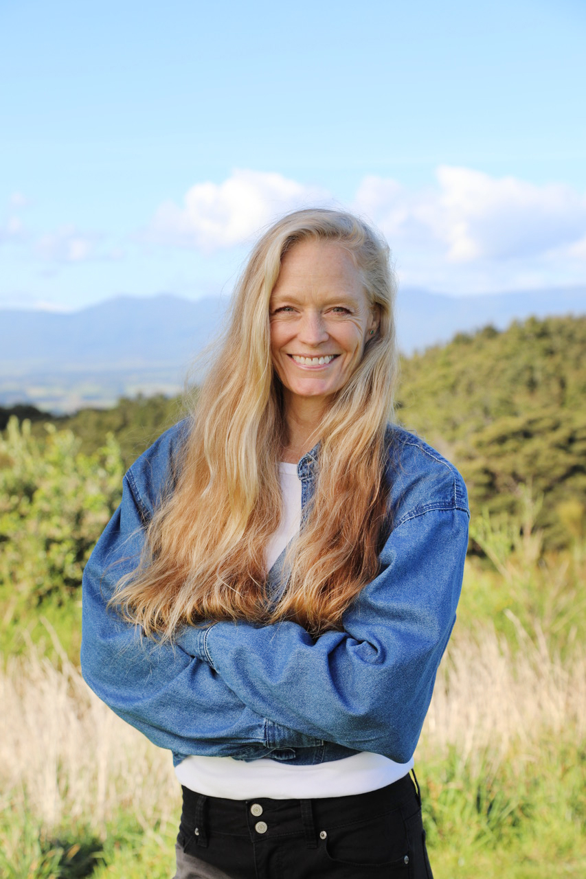 """MEET OUR FOUNDER - Suzy Amis CameronAuthor, Environmental Advocate, Mother, Former Actor & Model—Welcome to OMD Food!Every single day, I wake up thinking about how I can make the world a better place for all the world's children. That's the beauty of OMD. By embracing at least one plant-based meal a day, we can slash our personal water and carbon """"foodprint"""" in half. With this simple shift, we also can minimize our risk of heart disease, cancer, diabetes, lose weight and even improve our sex lives.OMD is my life's mission, and I want to thank you for changing the world with us. Together, we can do this! OMD!Love, Suzy"""