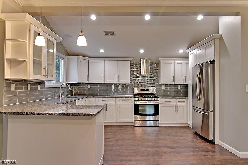 Rhia kitchen.jpg