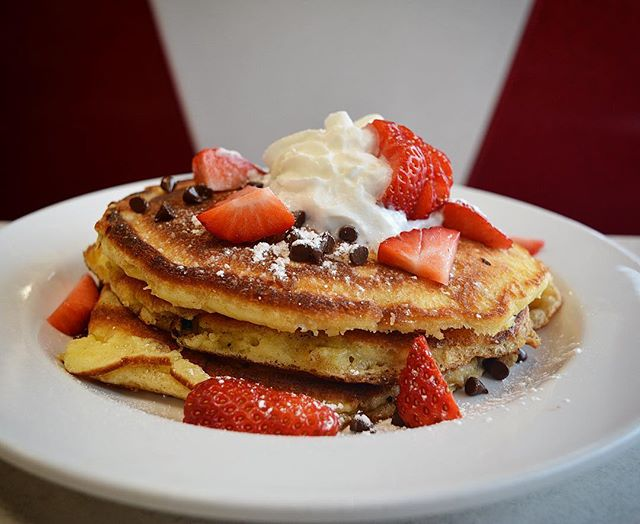BAE doesn't want bacon & eggs? These chocolate chip & strawberry pancakes are perfectly perfect, just like you. Love Day Brunch with us today 7am-2!