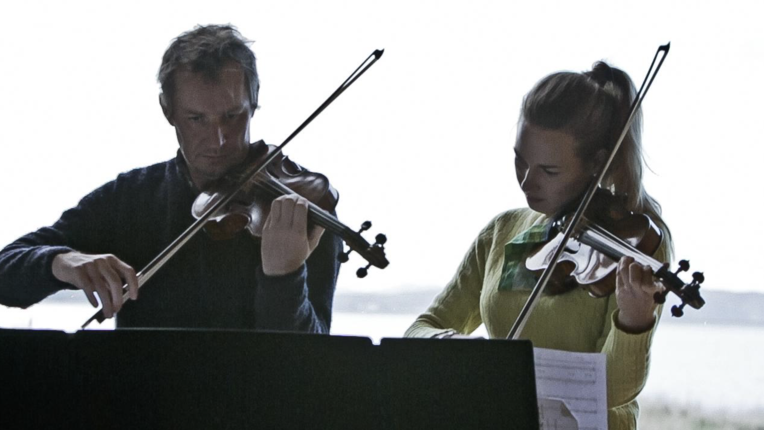 Richard Tognetti and Satu Vänskä performing  VirtuosiDETACHED at Waterview  Bruny Island (John Wardle Estate)