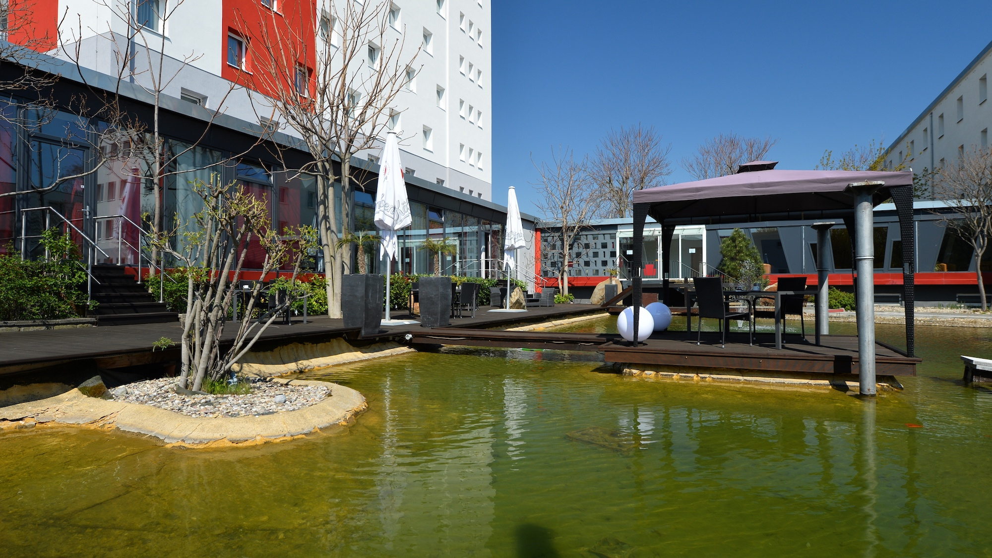 hotel merseburg leuna seeterrasse teich