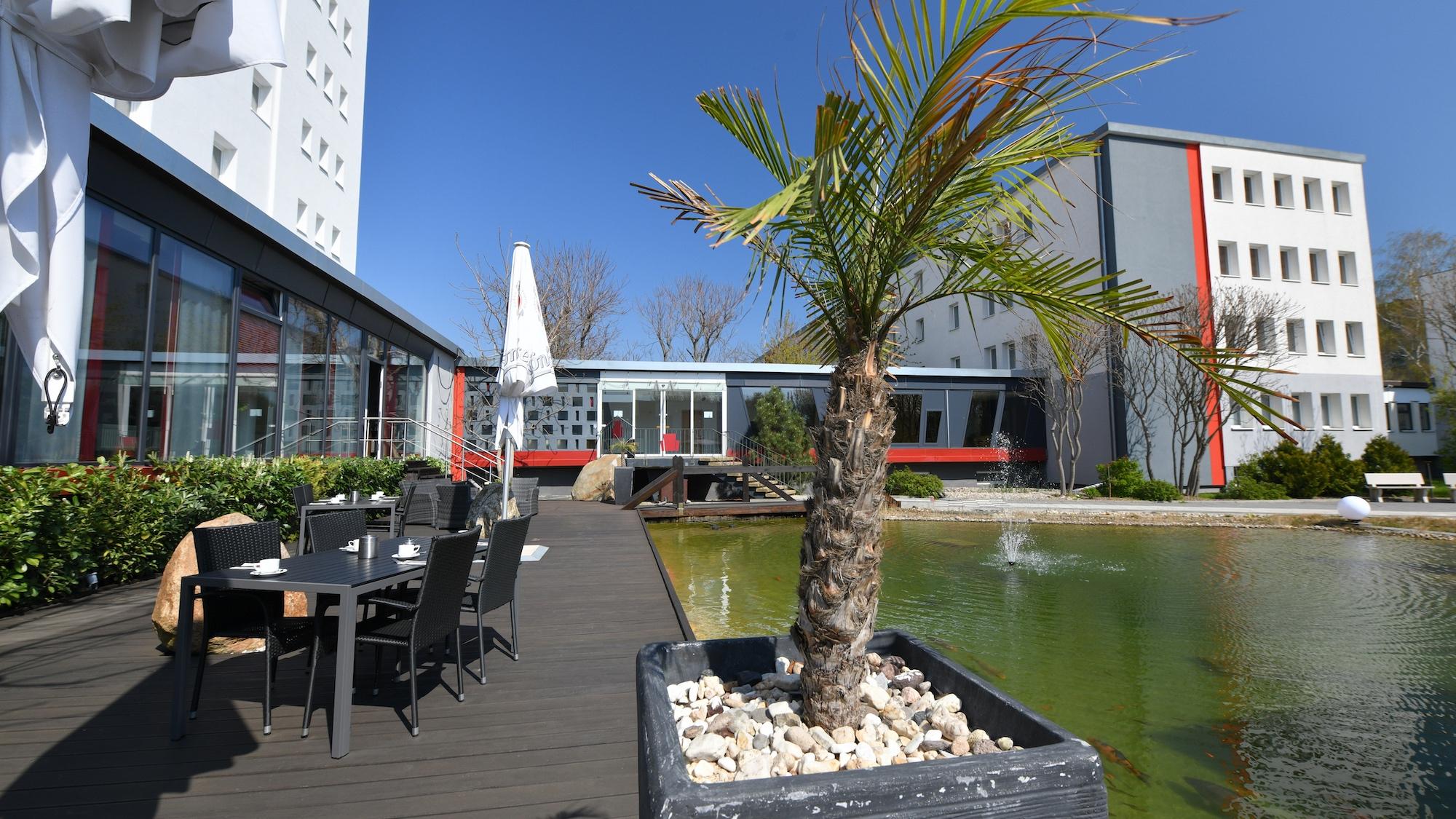 Skyhotel merseburg hostel leuna halle seetarrasse