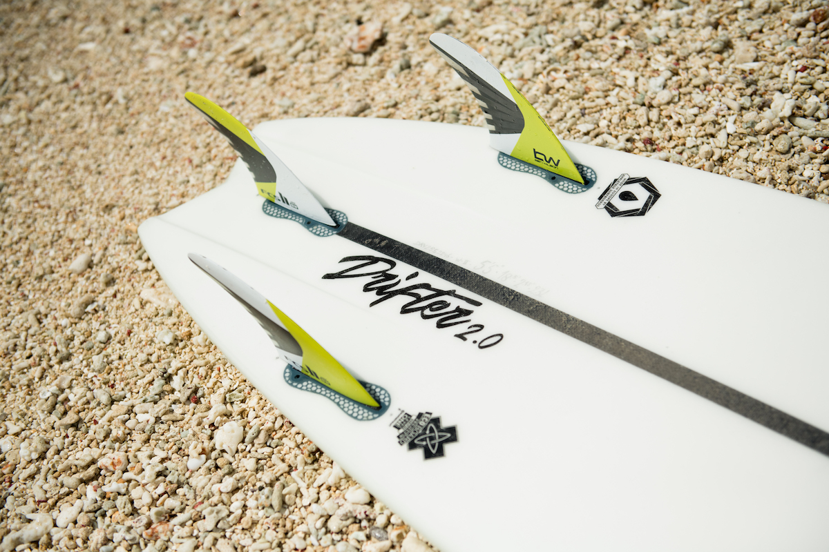 Fins & Straps - The Drifter 2.0 comes with a thruster (three fin) setup in your choice of FCSII or Futures. The Drifter 2.0 comes standard with foot strap inserts.