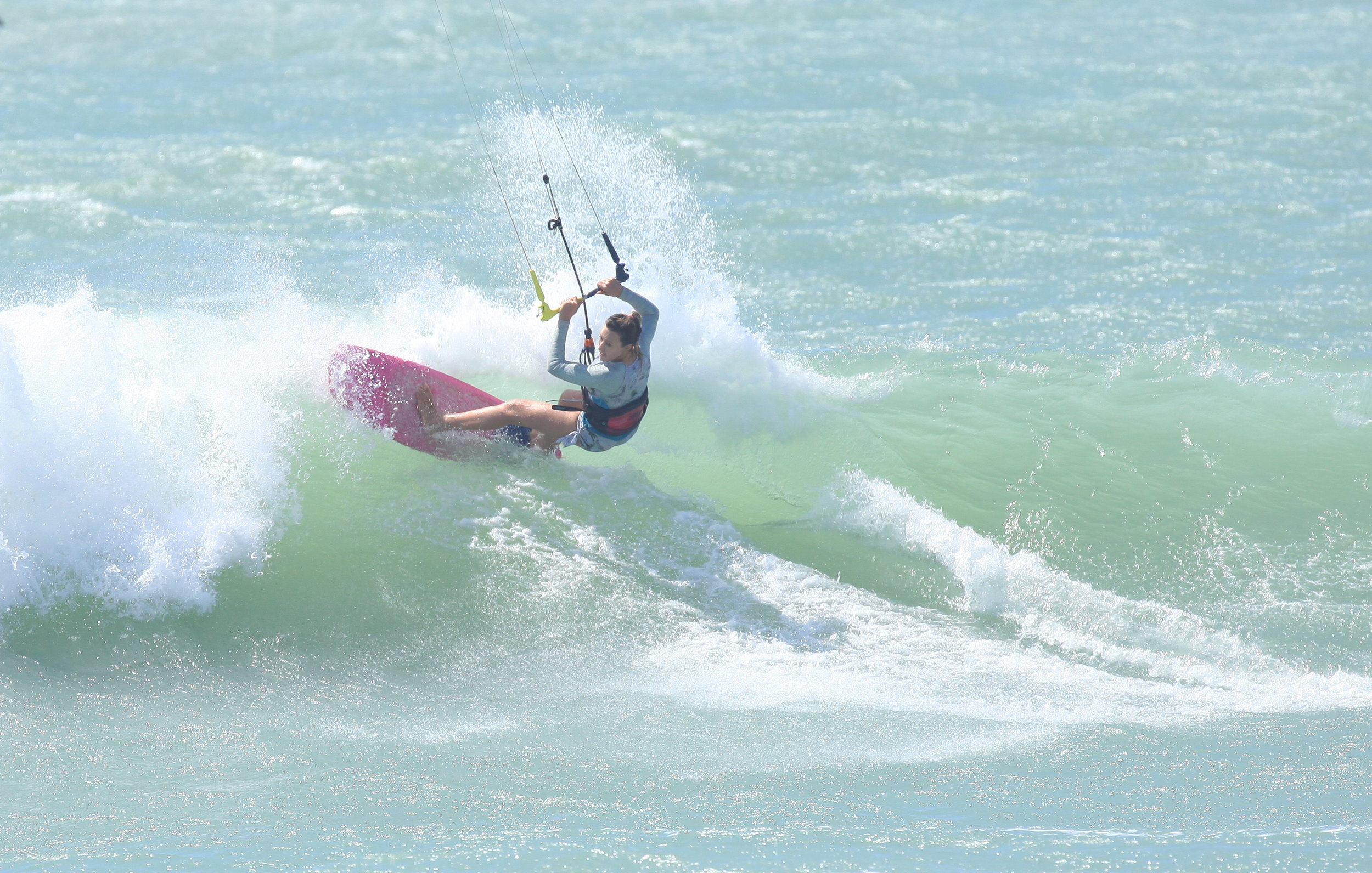 Kirsty Jones kitesurfing bwsurf