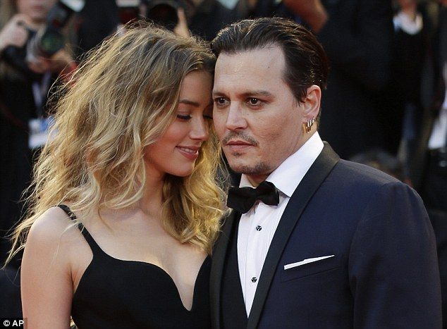 2bfaa45400000578-3222728-smitten_johnny_depp_52_and_amber_heard_29_looked_every_inch_the_-m-99_1441399877127.jpg