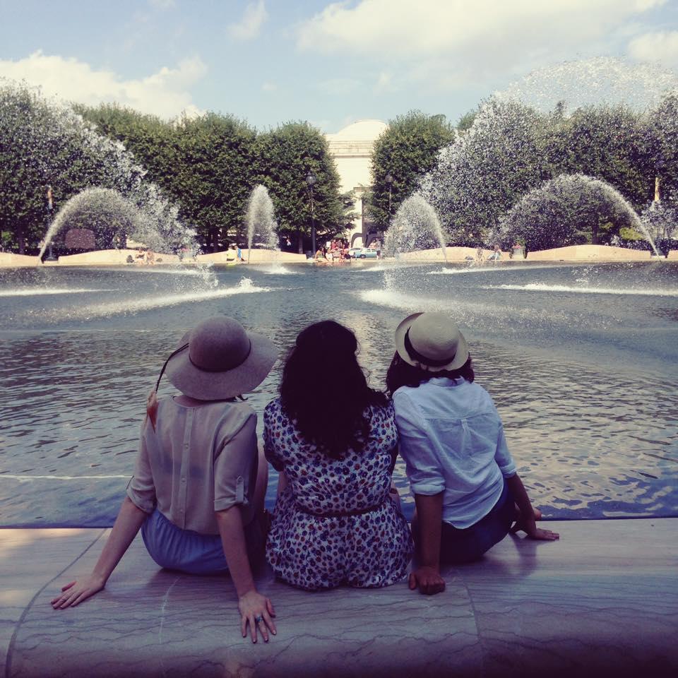 fountain-babes2.jpg