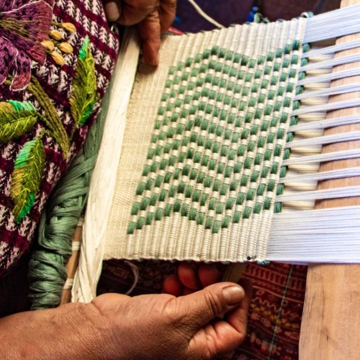Cojolya - Maya Women Weavers // CO Leader