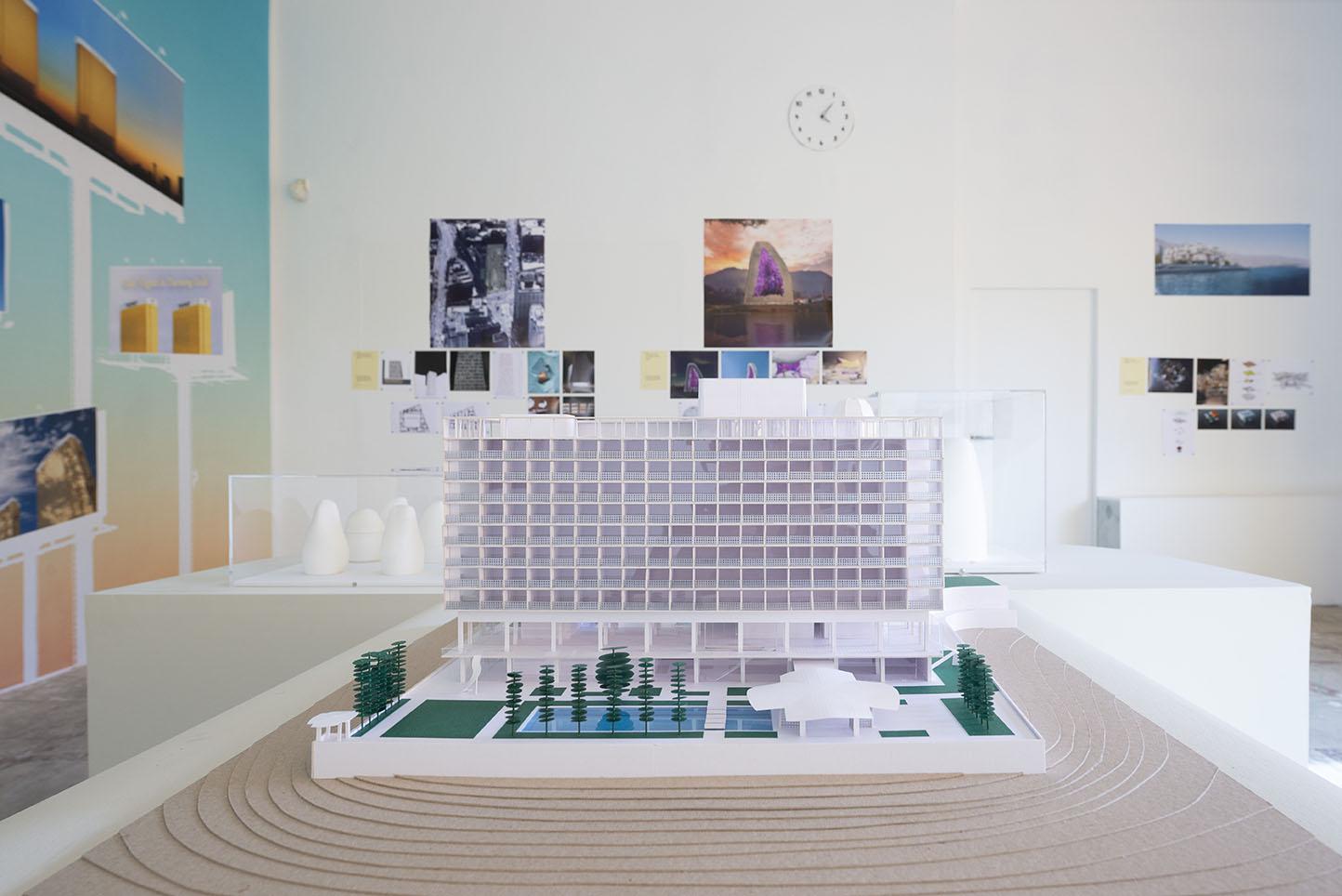 une chambre ailleurs 27 © Lothaire Hucki, villa Noailles.jpg