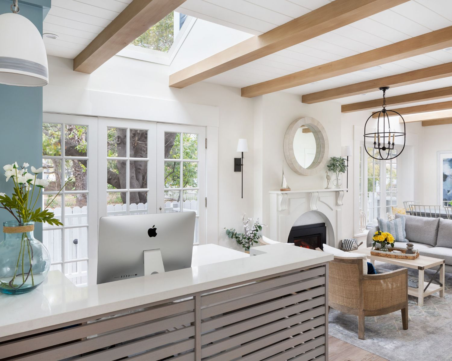 Welcome toHideaway Santa Barbara - Located three blocks from the beach, six blocks from the famed Funk Zone and a beautiful stroll to the harbor, Hideaway Santa Barbara is an exciting new boutique hotel — meticulously curated, and extensively renovated for 2019.