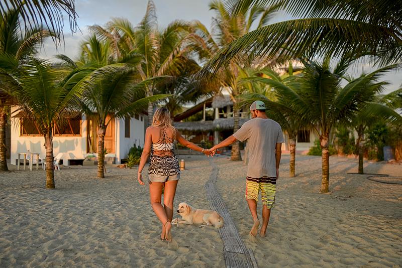 destination-beach-engagement-shoot-102