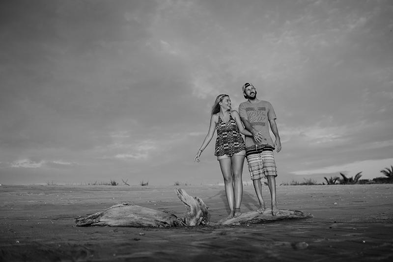 destination-beach-engagement-shoot-96