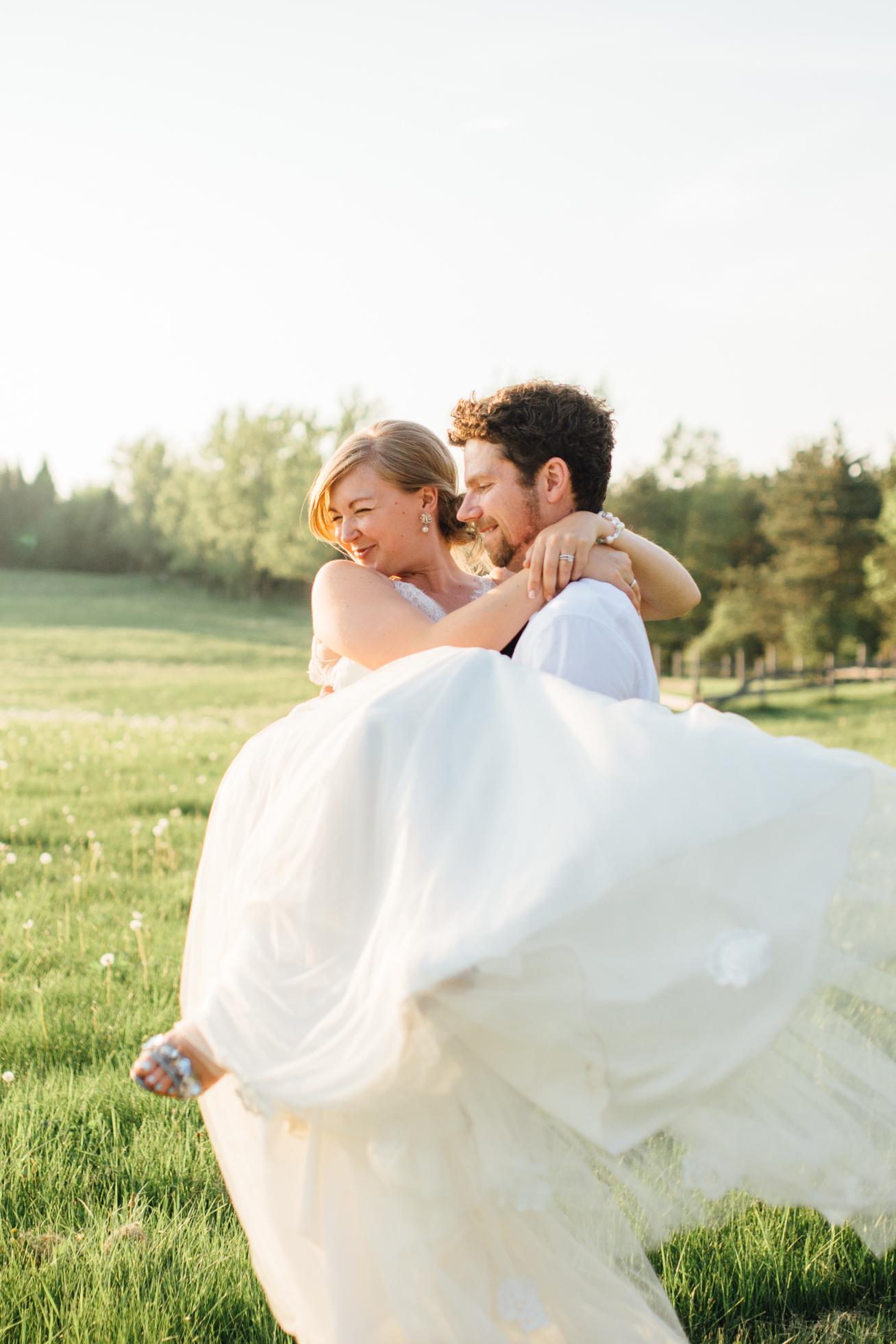 Outdoor Wedding at Tralee in Caledon - Sara Monika, Photographer