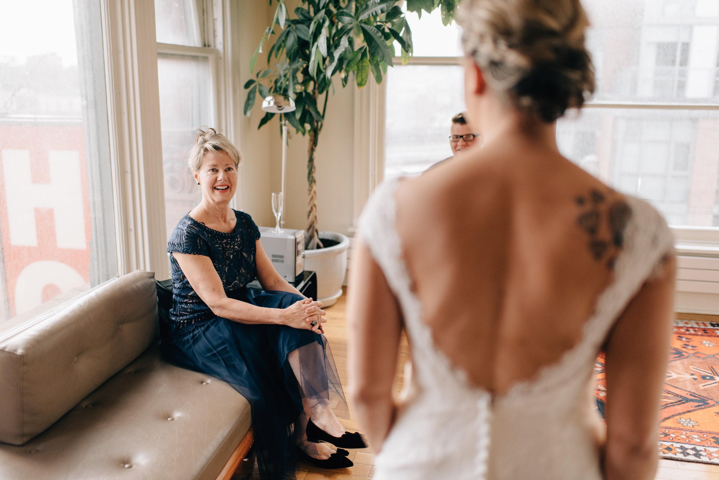 Intimate-Gladstone-Hotel-Wedding-23.jpg