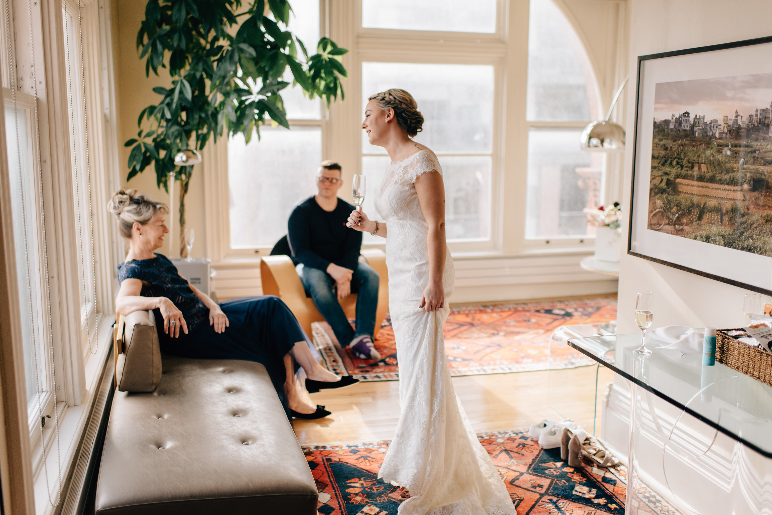Intimate-Gladstone-Hotel-Wedding-25.jpg