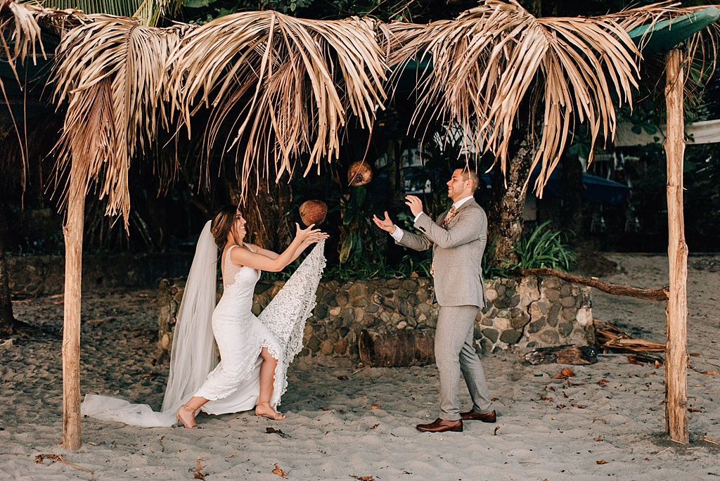 Romantic-outdoor-wedding-costa-rica-sara-monika-421.jpg