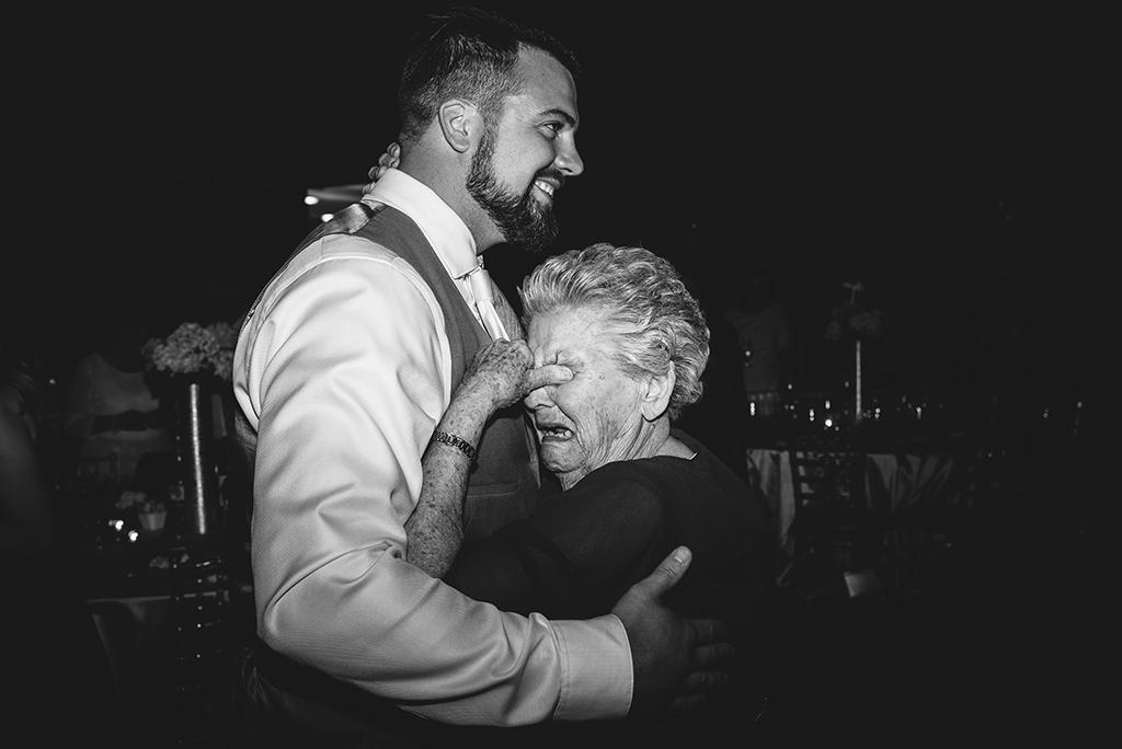 Best-Documentary-Wedding-Photographer-17.jpg