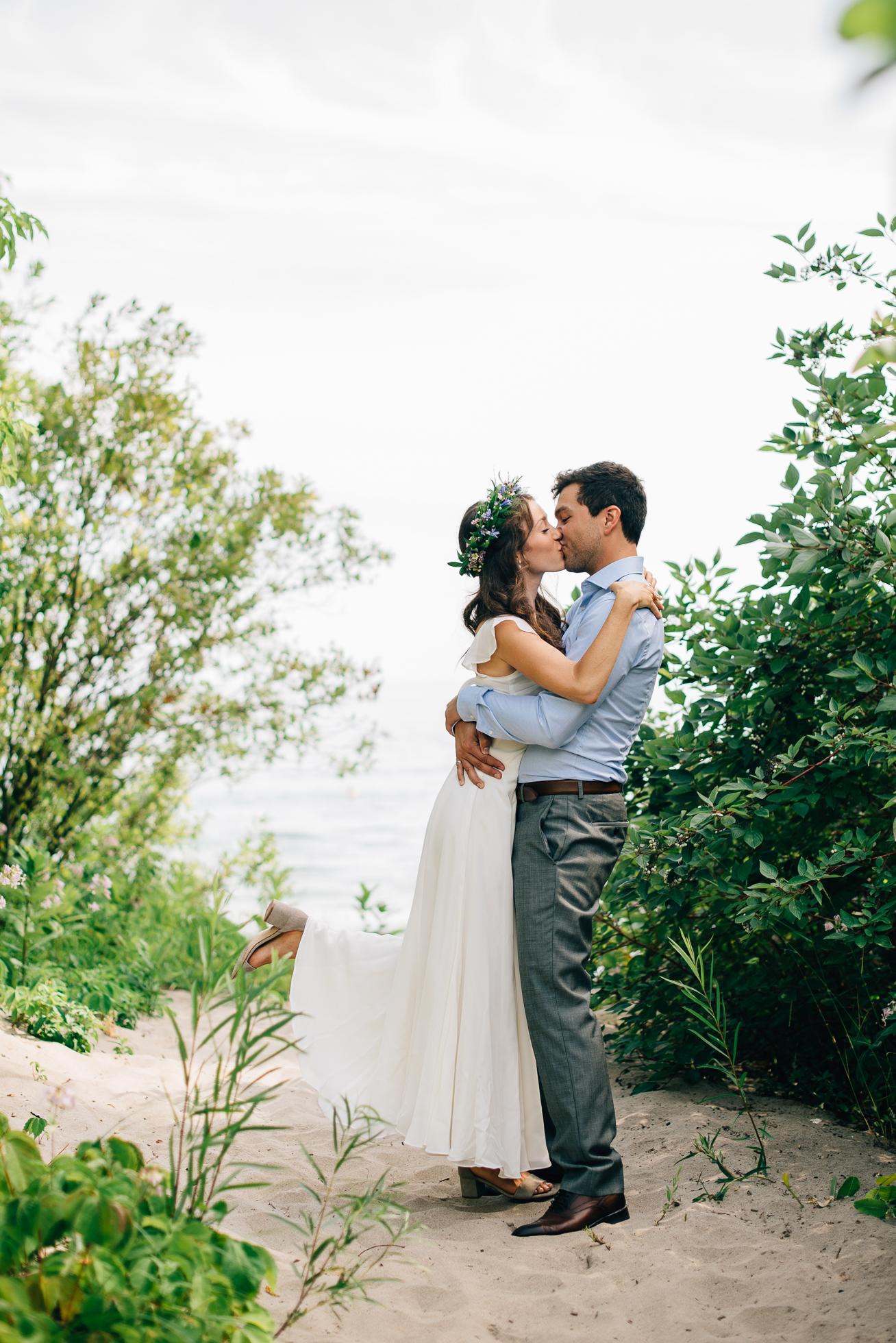 Artscape-Gibraltar-Point-Wedding-Photography026.jpg