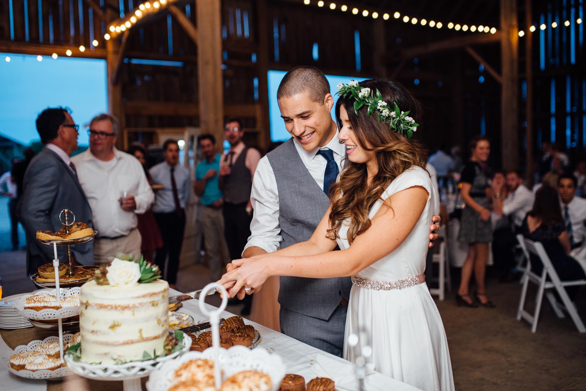 Downswell-Barn-Wedding-Photography-111.jpg