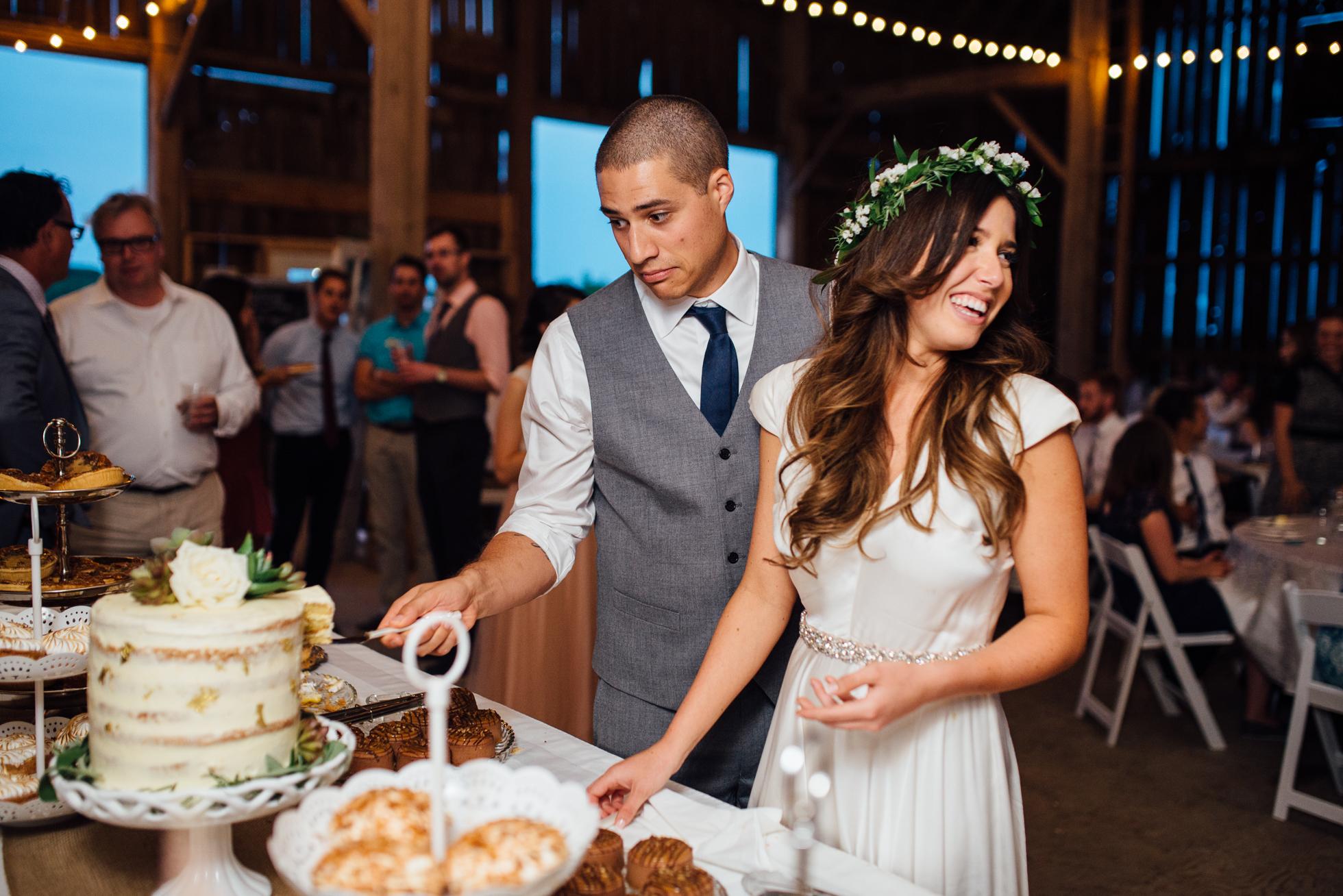 Downswell-Barn-Wedding-Photography-112.jpg