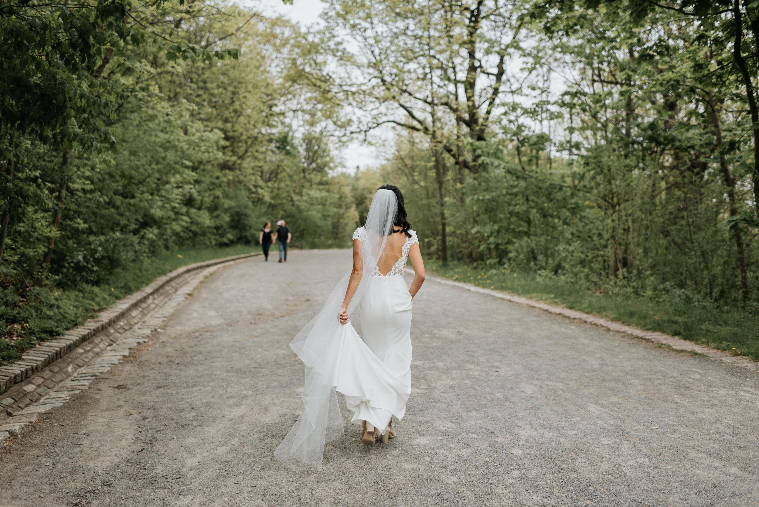 Sentimental Montreal Wedding (21).jpg