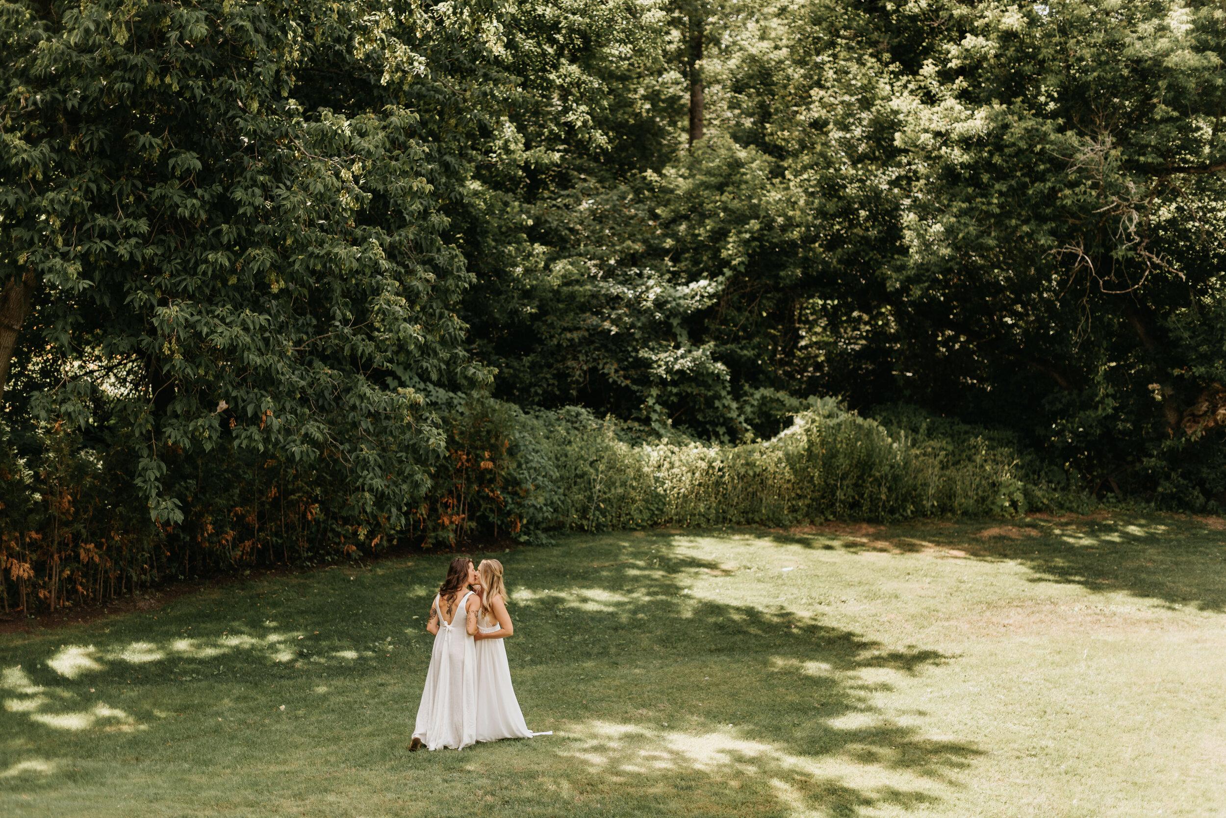 Relaxed Lakeside Wedding Ontario (20).jpg