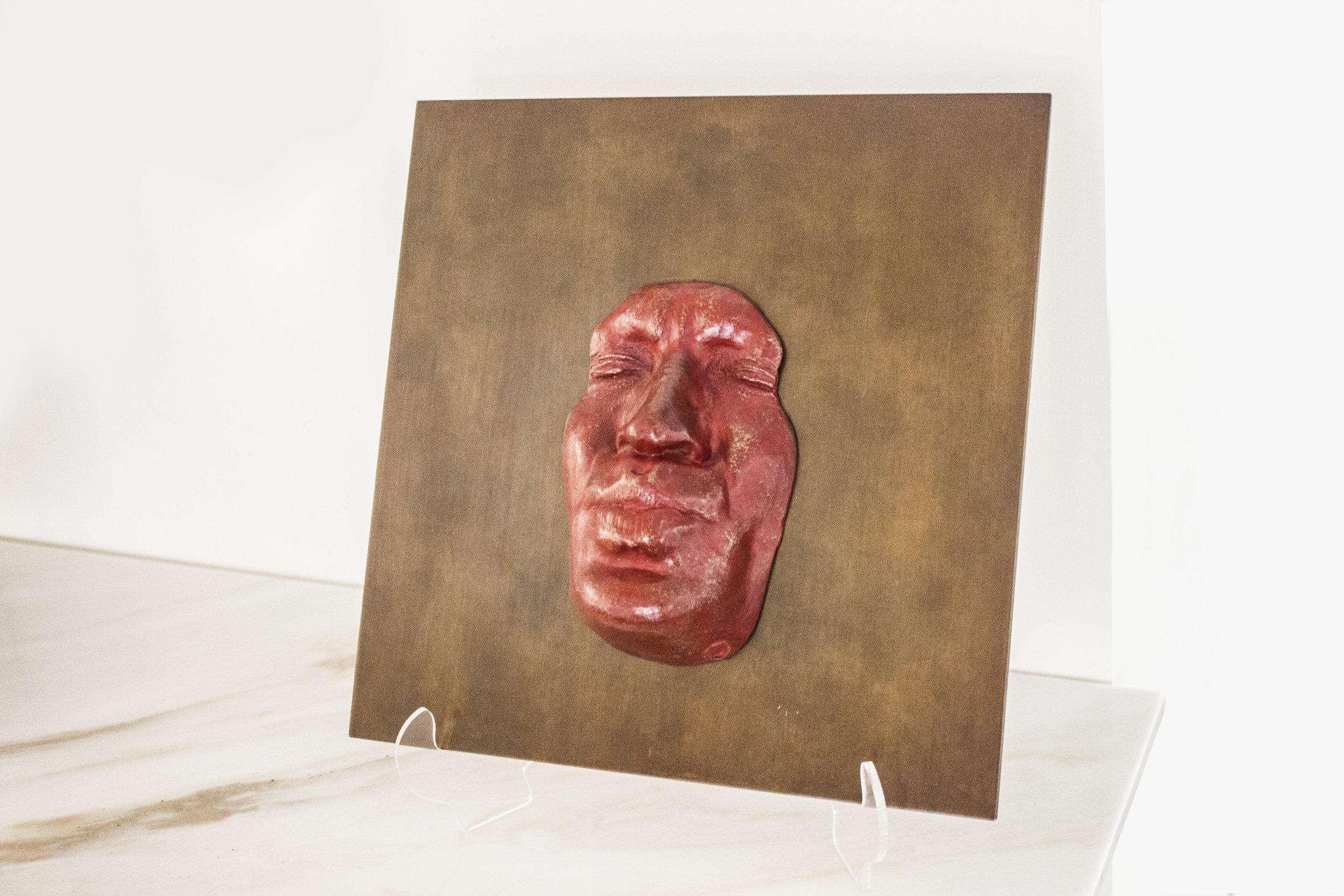 Plaque Rouge Le Baiser - 2013Bronze on steel2/830 x 30 cm