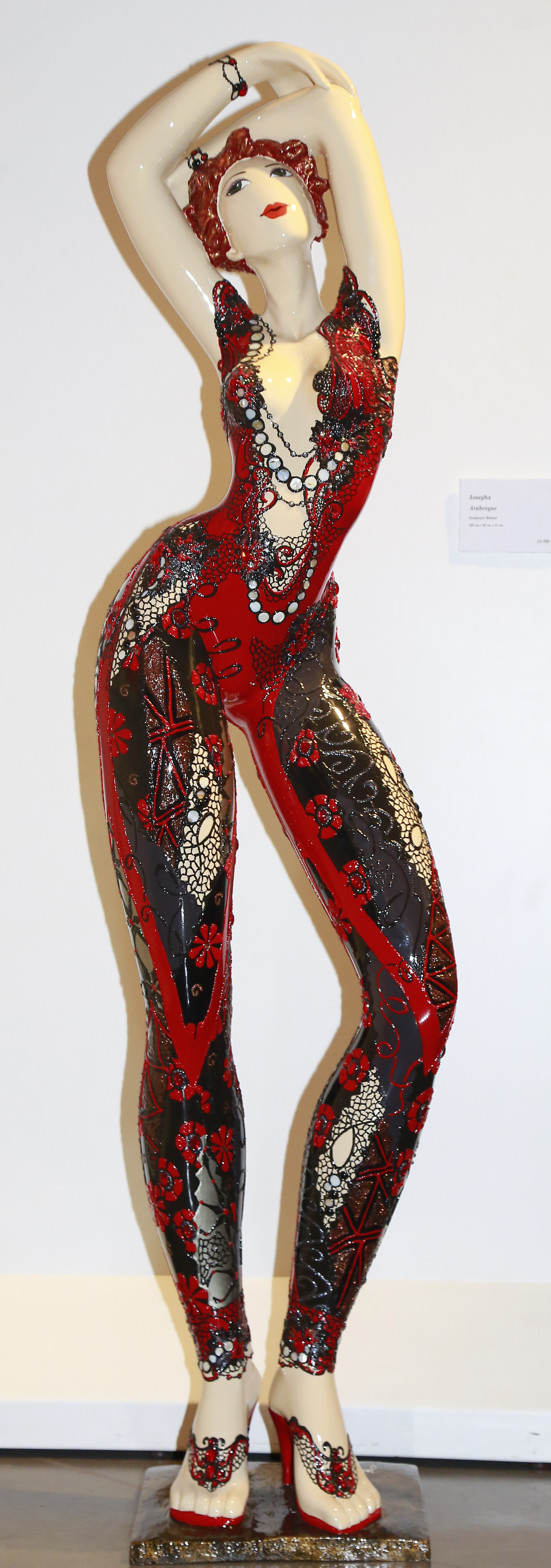 Arabesque - ResinH: 180 cm