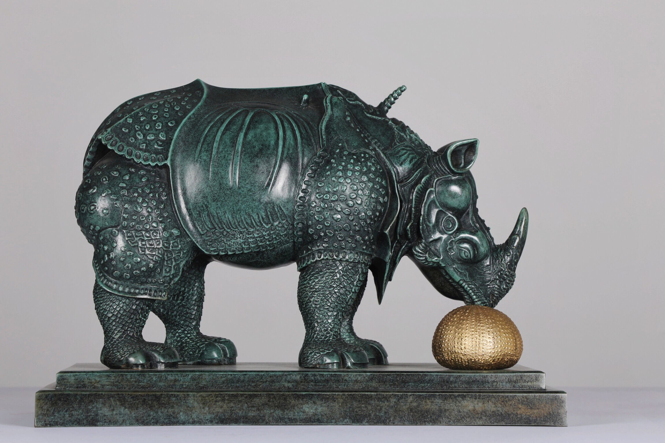 Grand Rhino En Dentelles - 1954Bronze305/499Available in 2 sizes: 21 cm and 12 cm
