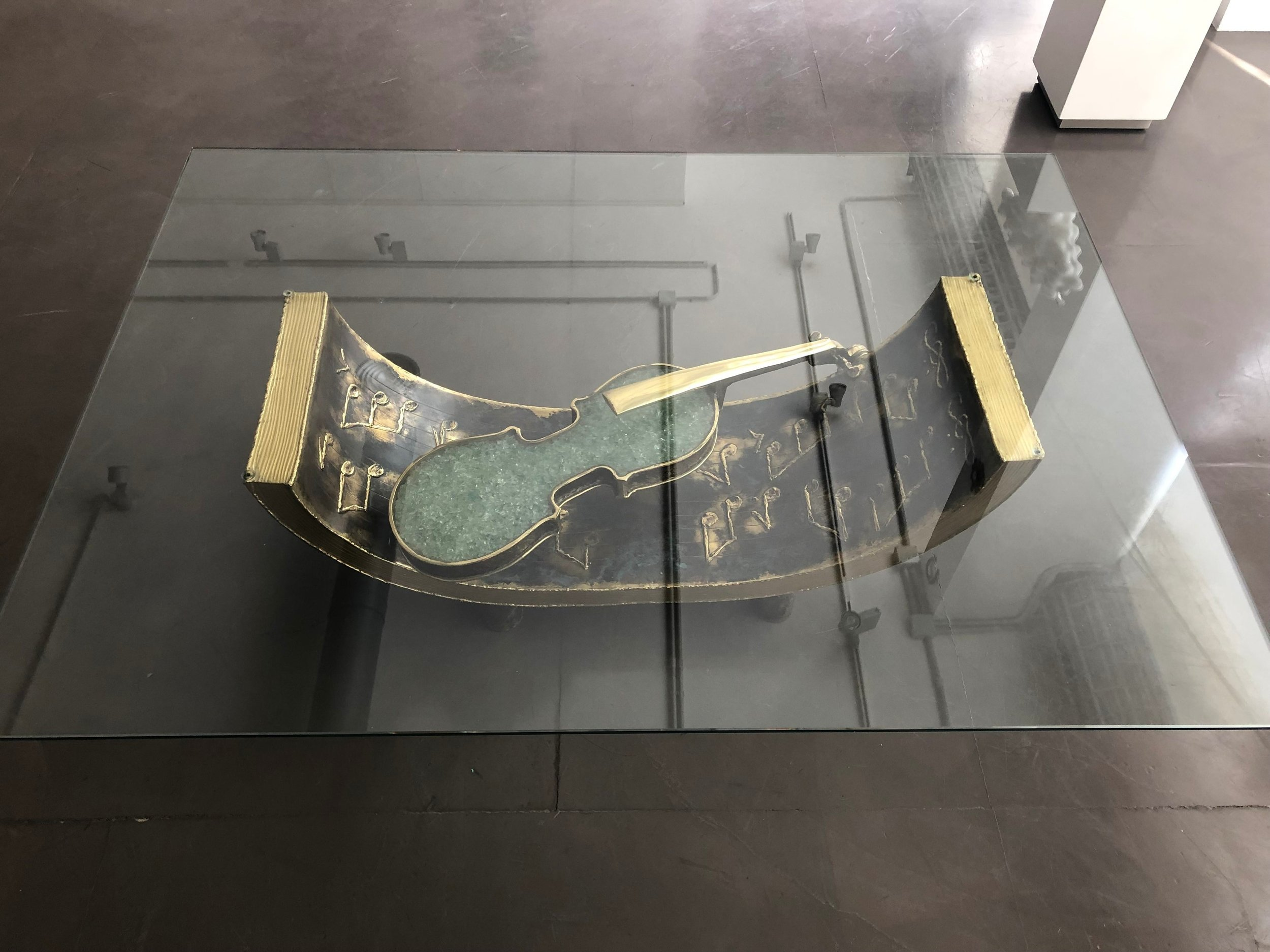 Table Basse Amethyste Et Griffes - 2013Brass and glass100 x 40 cm