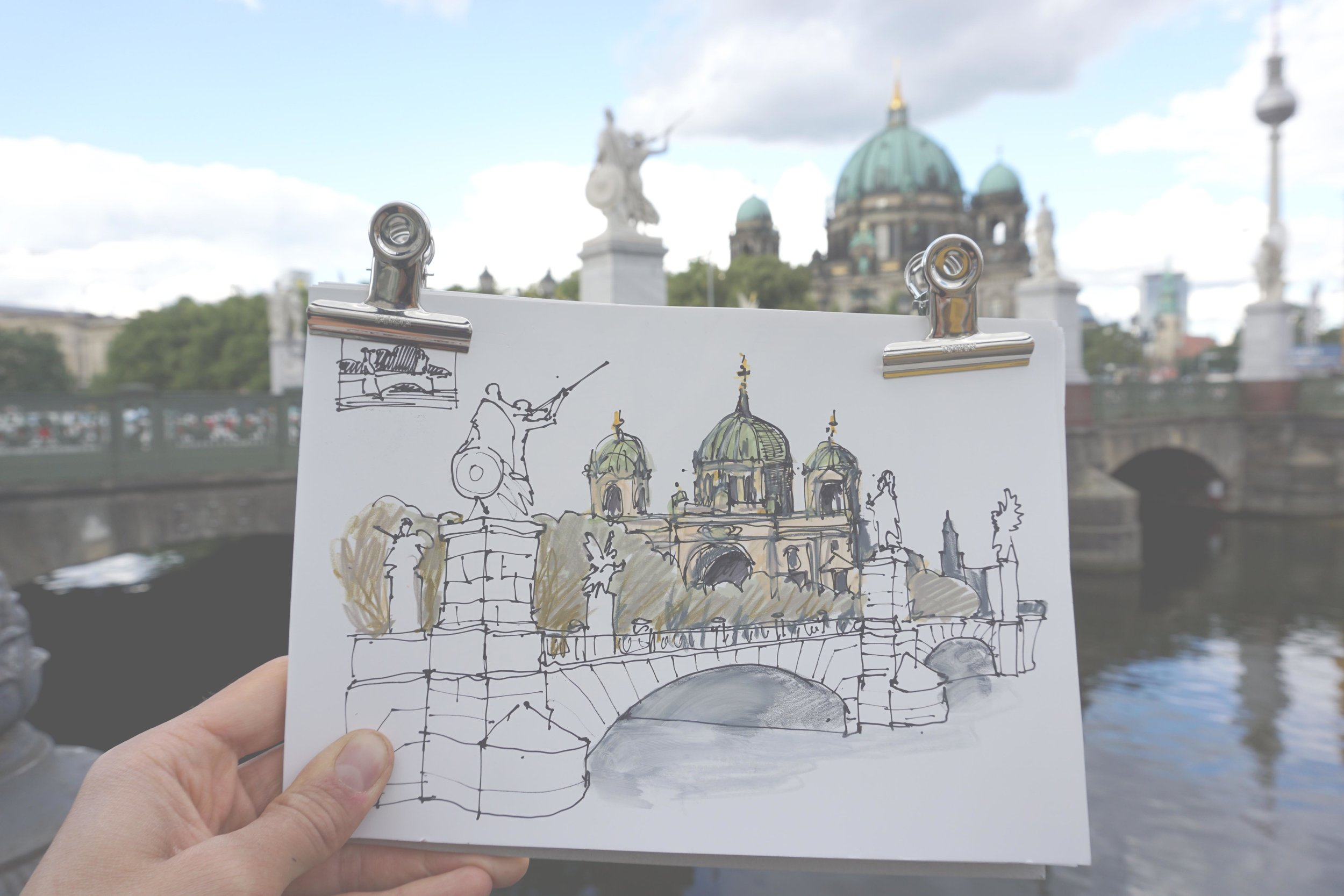 Wir werden bekannte und unbekannte Orte in Berlin skizzieren.