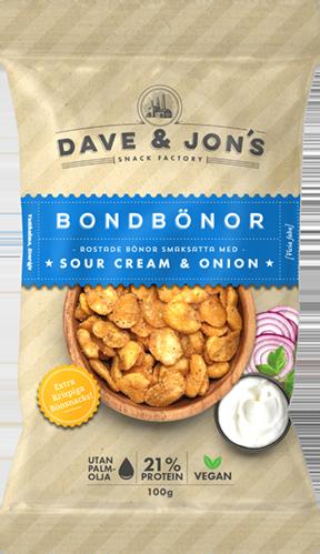 ROStade bondbönor med sourcream & onion - Nettovikt: 100gIngredienser: Bondbönor, solrosolja, kryddblandning 4% (lök, salt, maltodextrin(majs, potatis), socker, jästextrakt, vitlök, kryddor, surhetsreglerandemedel: mjölksyra och citronsyra, arom, kryddextrakt (lök)), salt,surhetsreglerande medel: bikarbonat. Förpackat i en skyddandeatmosfär. KAN INNEHÅLLA SPÅR AV: JORDNÖTTER, NÖTTER, SOJA,VETE OCH MJÖLK.Näringsvärde per 100gEnergi 437 kcal/1830 kJFett 16,6g, varav mättat fett 3gKolhydrater 46,8g, varav sockerarter 1,7gFibrer 9,5gProtein 20,5gSalt 2g