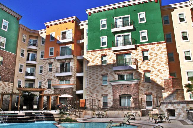 26 West - Austin, Texas (Interior Courtyard & Pool)