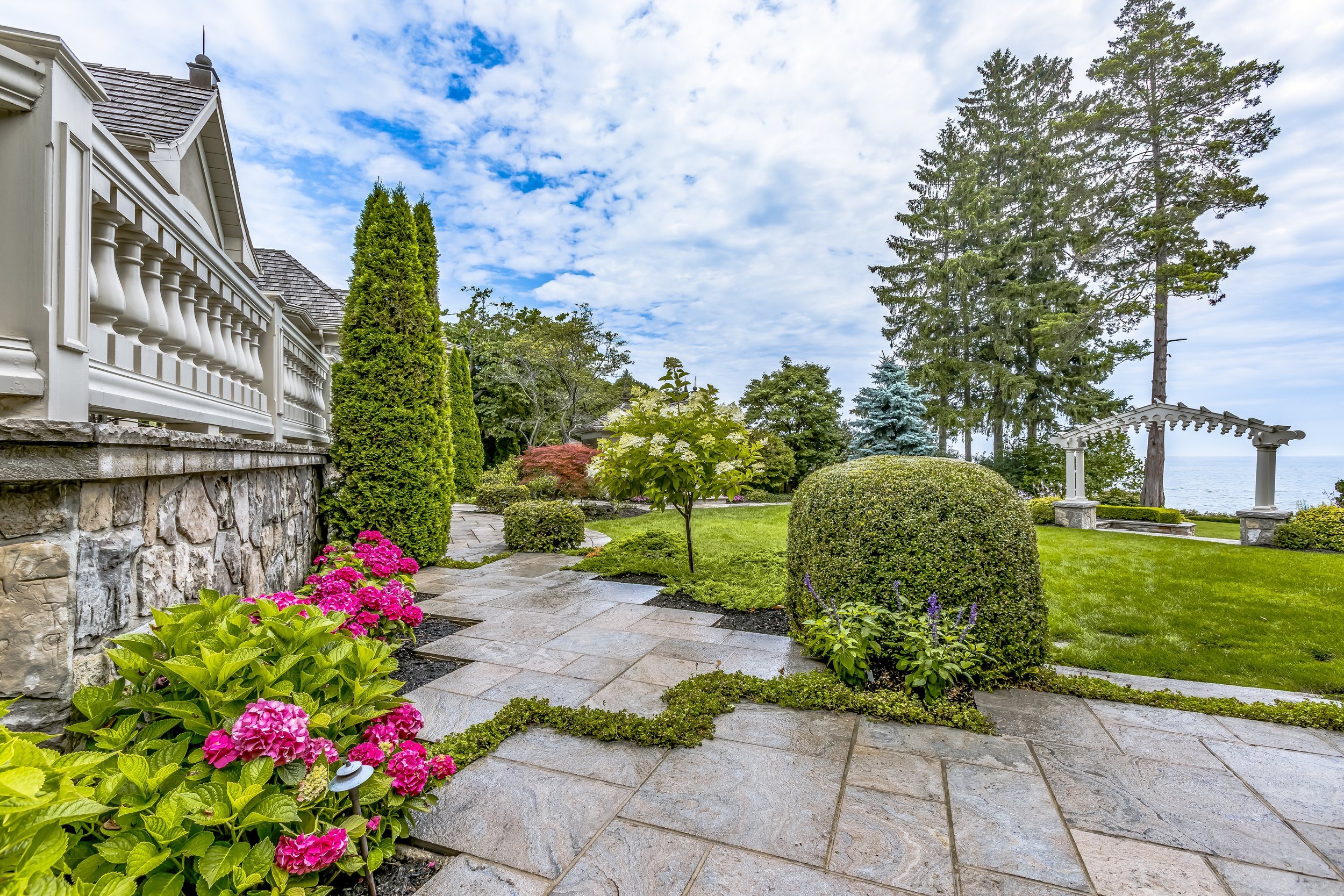 LANDSCAPE PHOTOGRAPHY - Utilize the beautiful work you've done with some amazing photography to help grow your landscaping company.