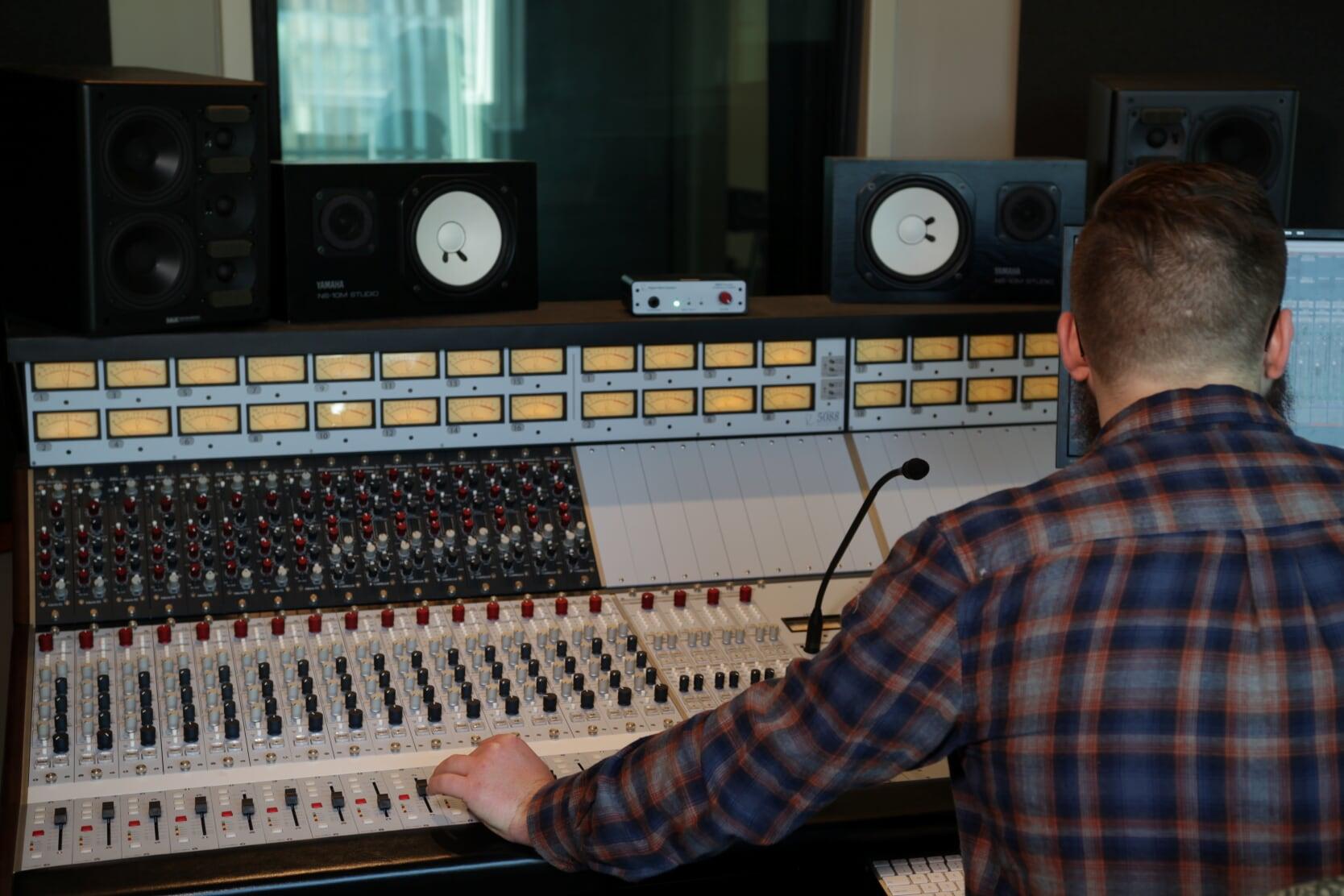 Weston Cox - MMP Studio Two.JPG