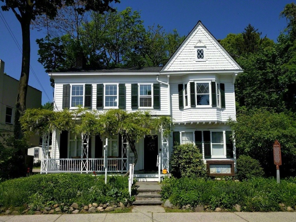 EDWARD HOPPER HOUSE MUSEUM & STUDY CENTER , NYACK