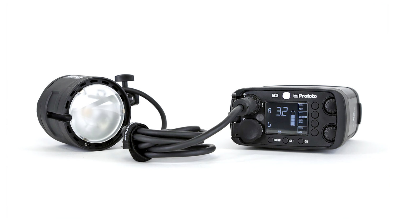 Profoto B2 250 Air   Portable studio light Comes with: batteries, charger, TTL-C, TTL-N, TTL-S remote