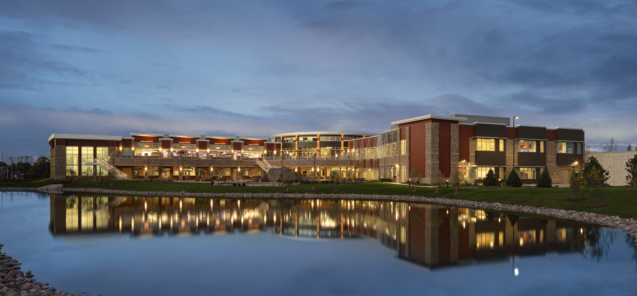 Illinois health & fitness facility exteriors photography