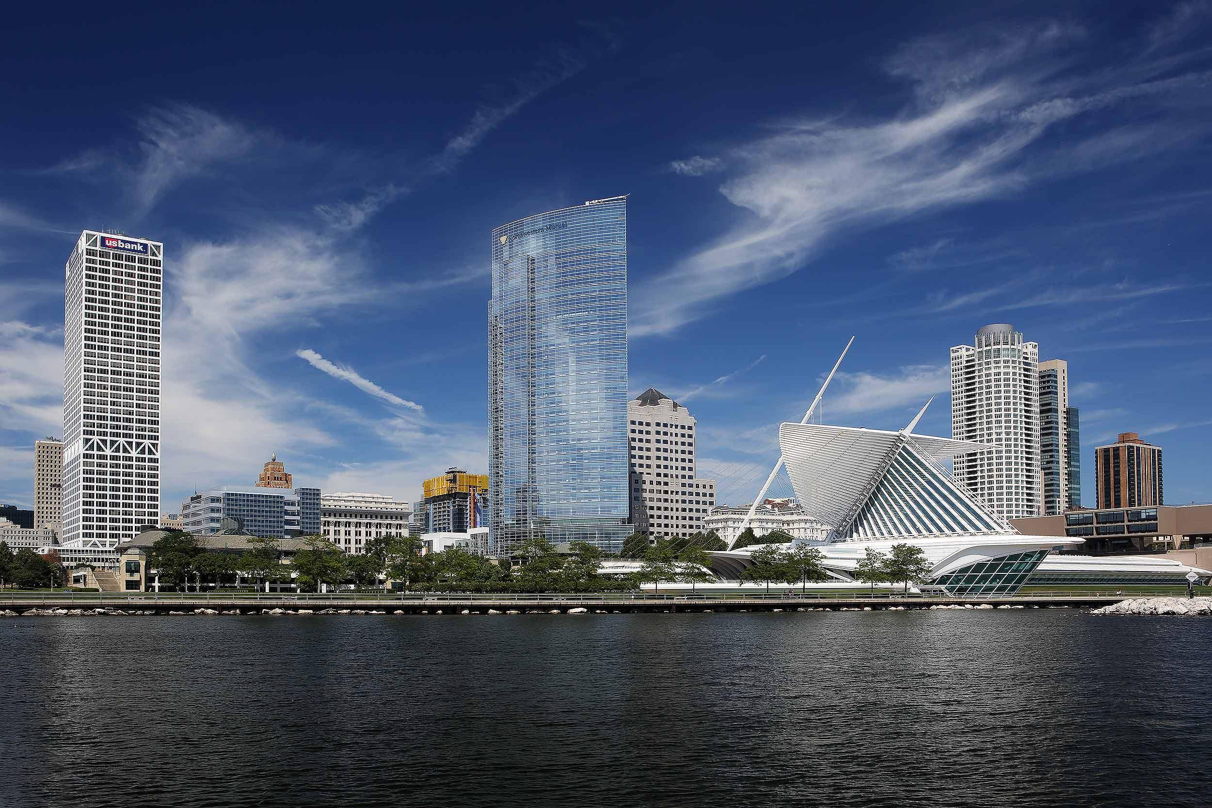 Milwaukee city scape from Lake Michigan, Calatrava
