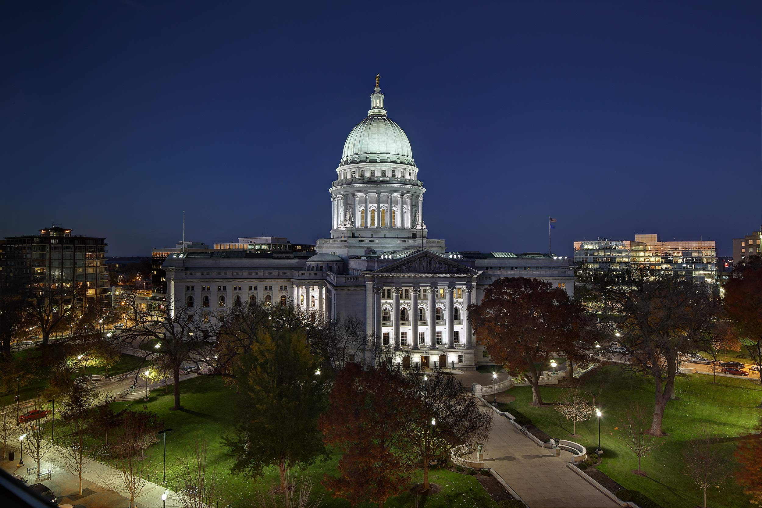 Madison WI capitol building at night