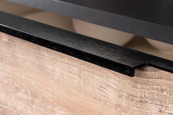 edge-pulls-0139-linear-handle.jpg