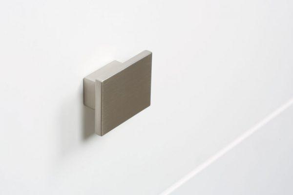 knob-square-0065.jpg