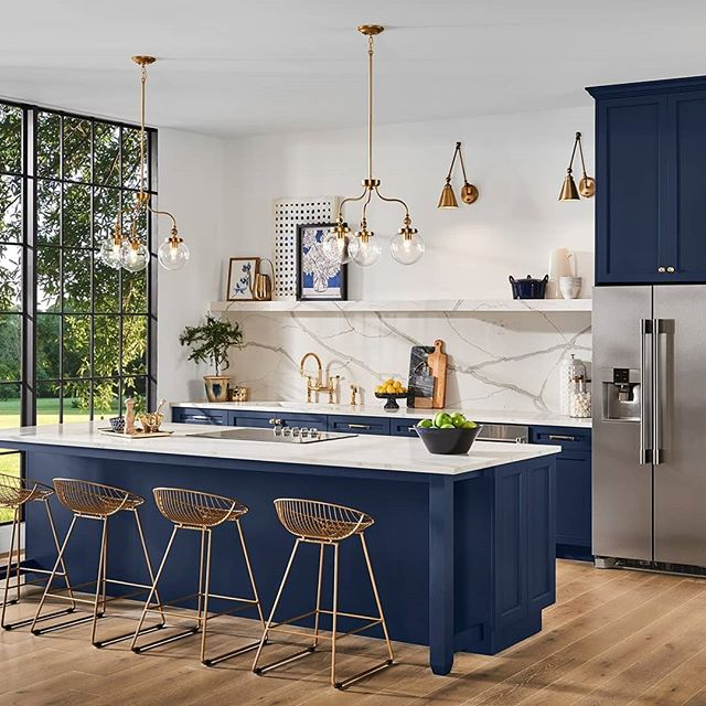 Loving the color Naval SW 6244. The @sherwinwilliams Color of the Year 2020. #kitchencabinets #kitchendesign #kitchenremodel  #kitchenrenovation #cabinetpainting #cabinetdecisions #yqg #windsoressex