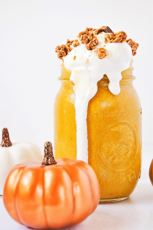 pumpkinpiesmoothie5.jpg