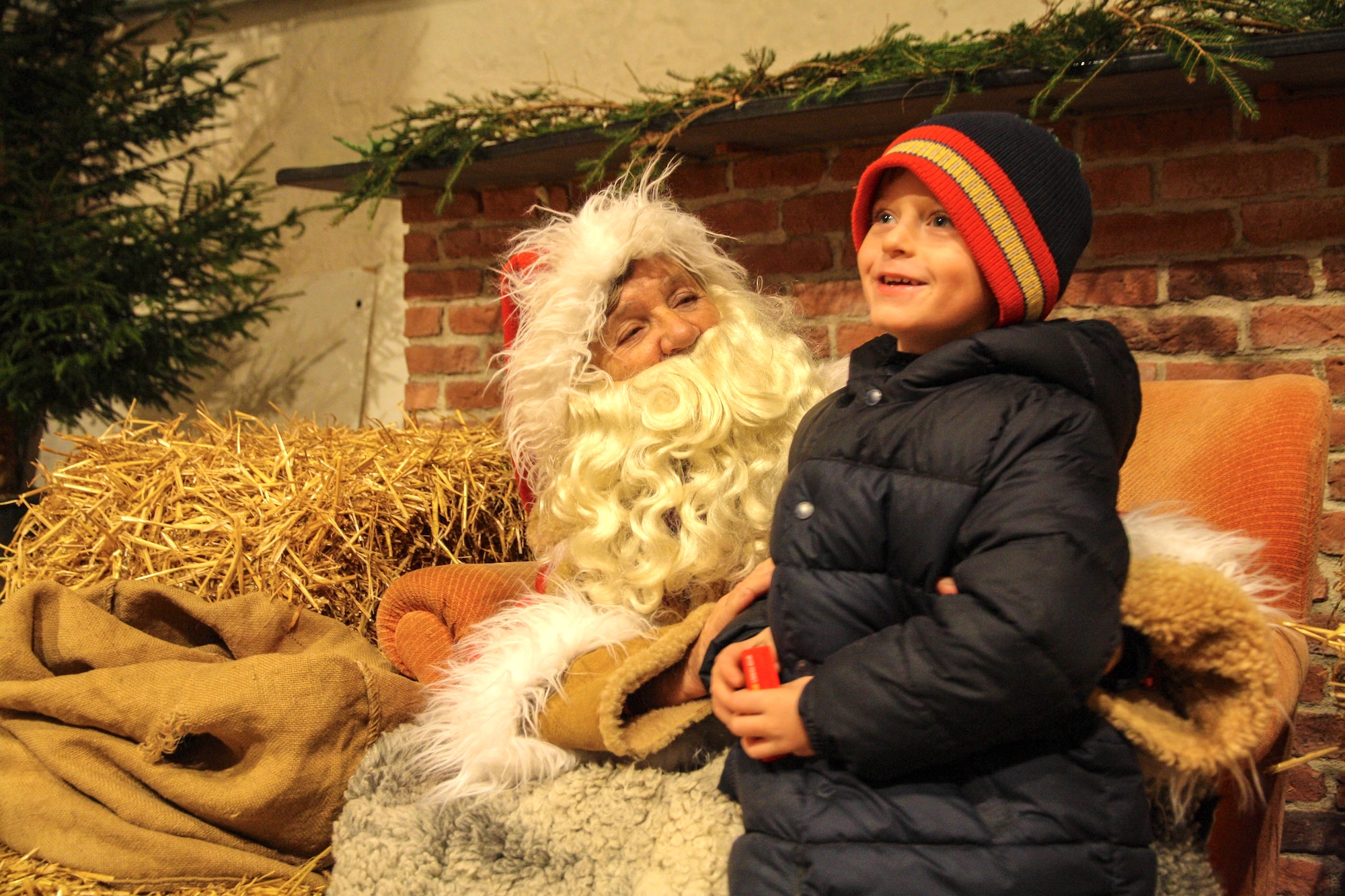 Christmas-market-santa.jpg