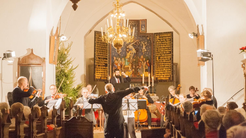 julkonsert i kyrkan.jpg