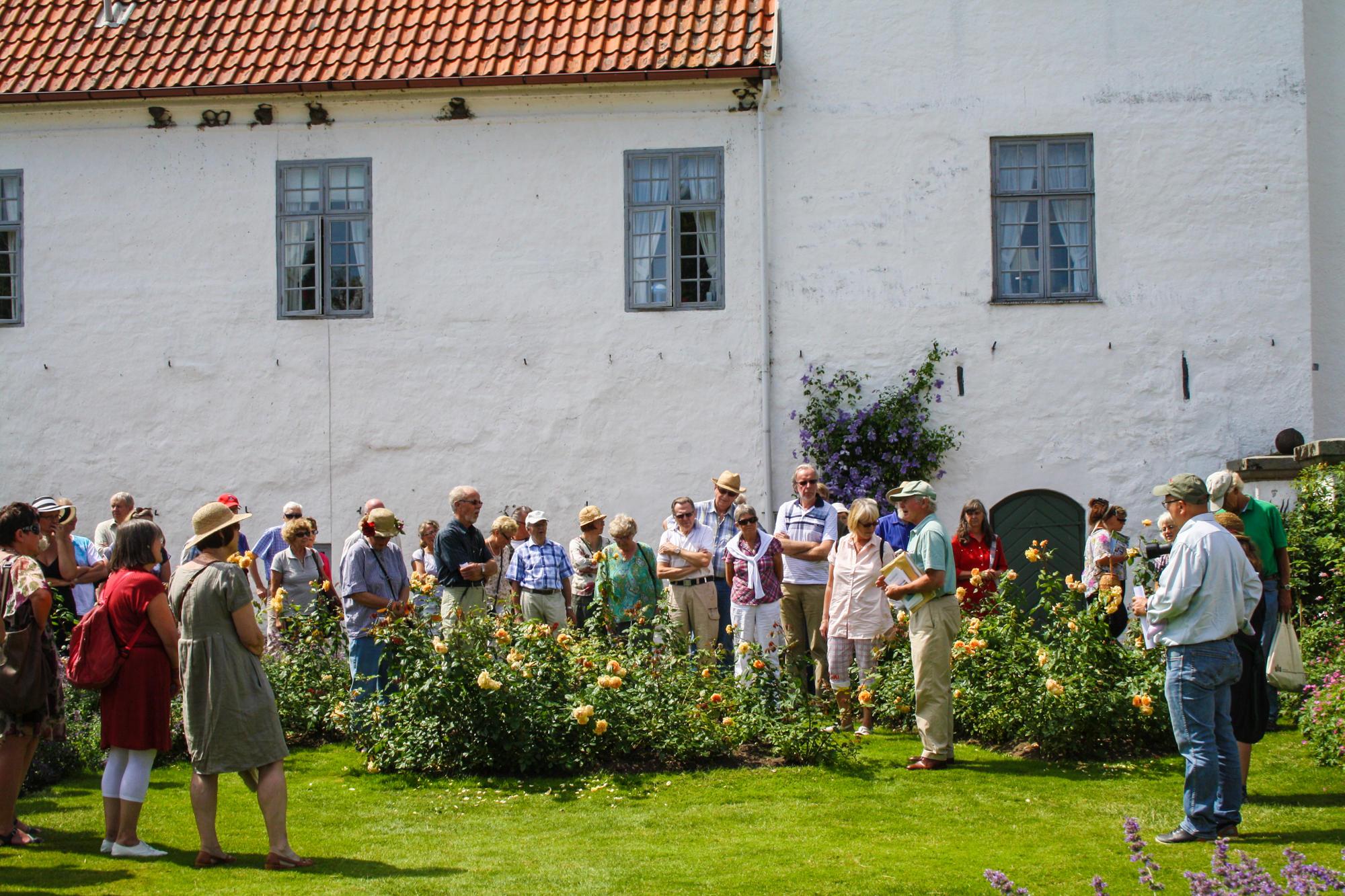 Bosjokloster-Slott-Tradgardar (17).jpg