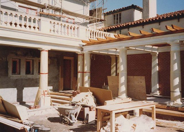 #tbt to one of our first large projects as a firm over 30 years ago in Sea Cliff. Swipe to see what the home looked like before we renovated it!  #renovation #constructionphoto #residentialconstruction #architecture #seacliff #seacliffhomes #californiacoast