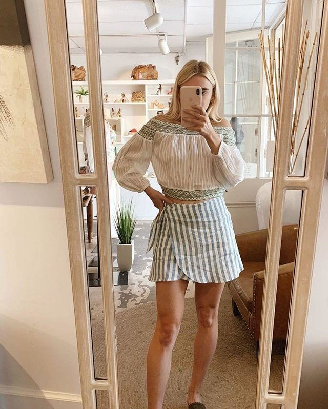 The perfect outfit to wear on the eve of this weekend. ⠀⠀⠀⠀⠀⠀⠀⠀⠀ ⠀⠀⠀⠀⠀⠀⠀⠀⠀ ⠀⠀⠀⠀⠀⠀⠀⠀⠀ @followingsunshine_ in our Smocked Off Shoulder Top.⠀⠀⠀⠀⠀⠀⠀⠀⠀ ⠀⠀⠀⠀⠀⠀⠀⠀⠀ ⠀⠀⠀⠀⠀⠀⠀⠀⠀ #alaplagecollection #inspiration #aesthetic #photography #inspo #chasinglight #passionport #lifestyle #colorstory #livingeasy #instagood #ootd #liveauthentic #paradis #yesplease #influencer #blogger #stylediaries #summer #flashesofdelight #curated #adventure #thatsdarling